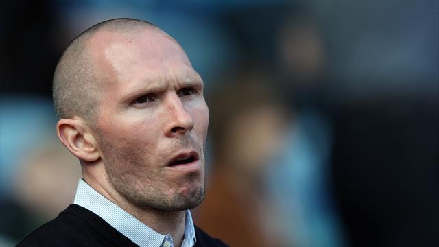 Pompey get green light to start season
