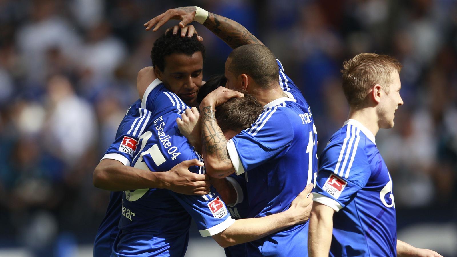 Schalke dans les toiles bundesliga 2010 2011 football for Bundesliga 2010