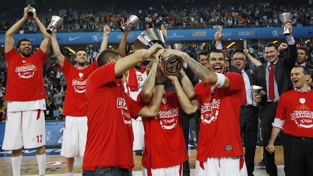 Olympiacos win dramatic Euroleague final