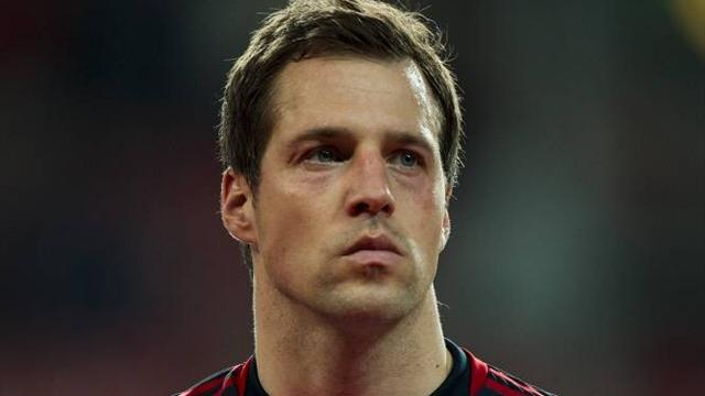 Denmark goalkeeper Sorensen quits international football