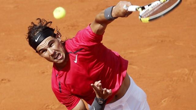 Nadal and Federer eye quarters