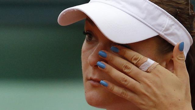 Women: Radwanska dumped out by Kuznetsova