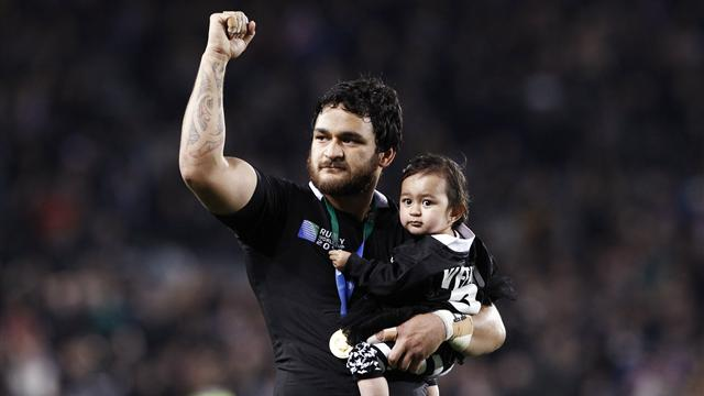 Weepu re-signs with Blues in Super Rugby