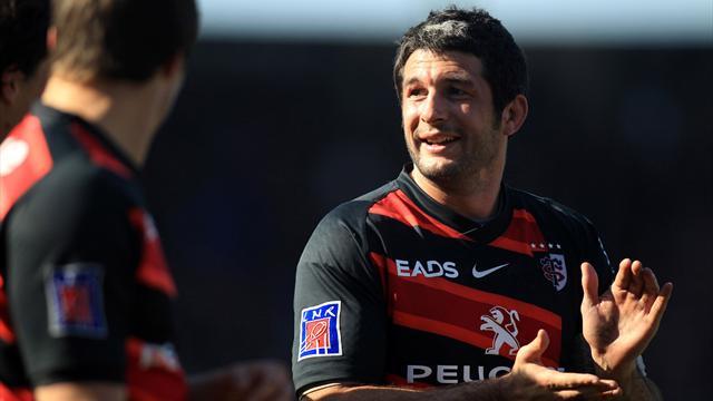 Bouilhou quitte Toulouse et retourne à Pau