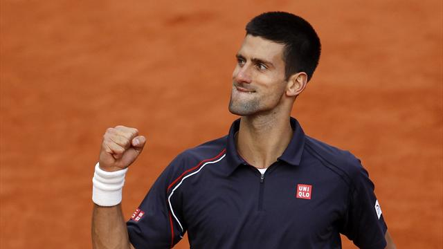 Djokovic beats disappointing Federer