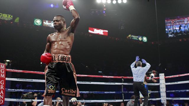 Rigondeaux retains title, Bailey shocks Jones