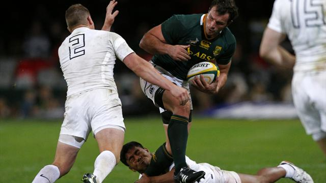 Springboks win despite late England rally