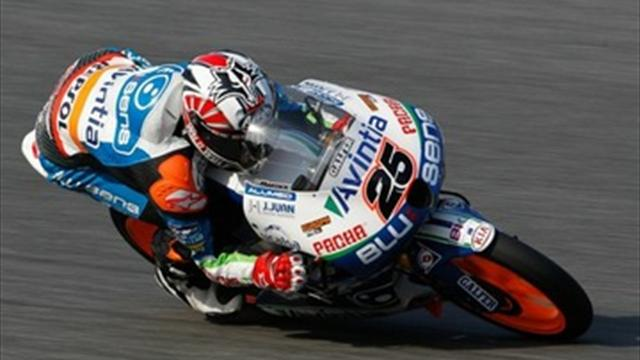 Vinales wins hard-fought Moto3 race