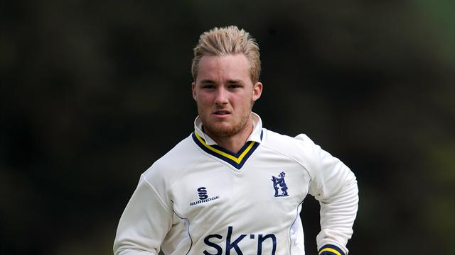 Evans wins it for Warwickshire