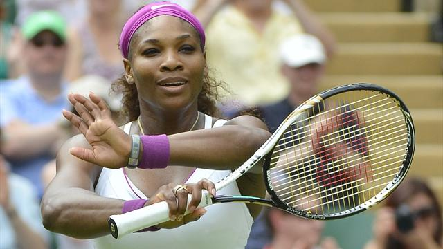 Serena coasts, Sharapova grafts in Wimbledon wins