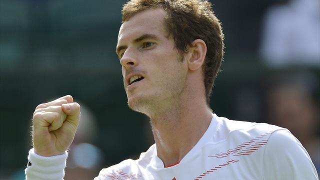 Murray downs tricky Karlovic at Wimbledon