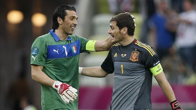 Legendary keepers do battle in Euro 2012 final