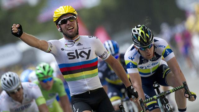 Cavendish solos to stage two win