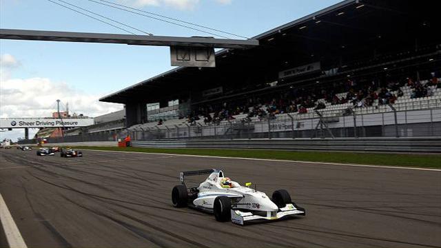 Frijns completes first F1 run
