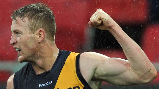 Connors sacked by Richmond