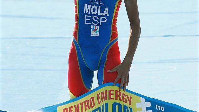 Triatlón: Mario Mola revalida su título de campeón del mundo