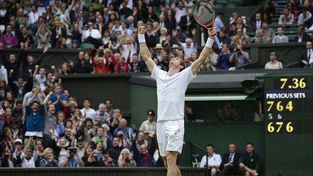 Murray wears down Ferrer to reach semis
