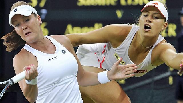 Williams powers past Azarenka at Wimbledon