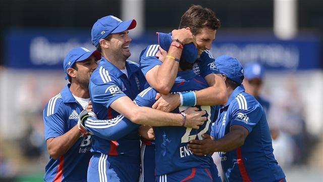 Dominant England beat Australia again