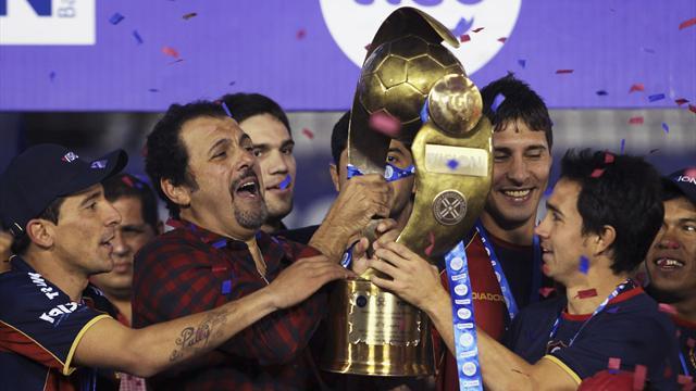 Cerro Porteno lift Paraguay title