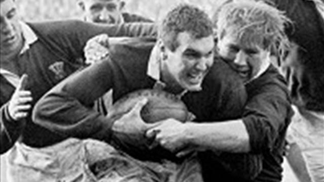 Former Wales lock Thomas dies