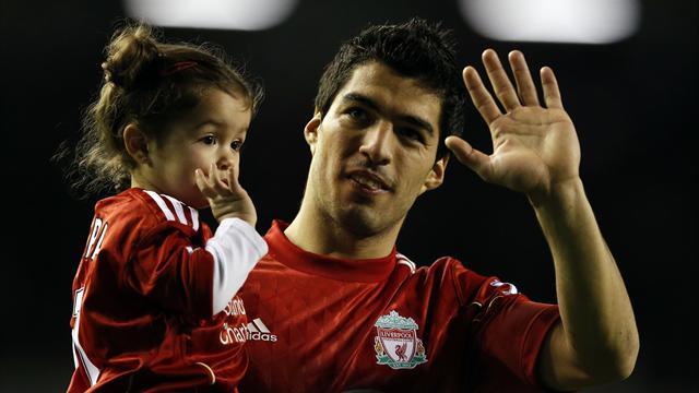 Liverpool start talks over Suarez deal