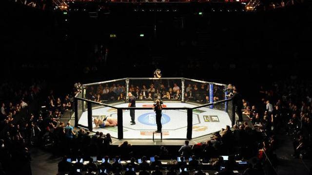 Weidman stuns Munoz at UFC on Fuel 4
