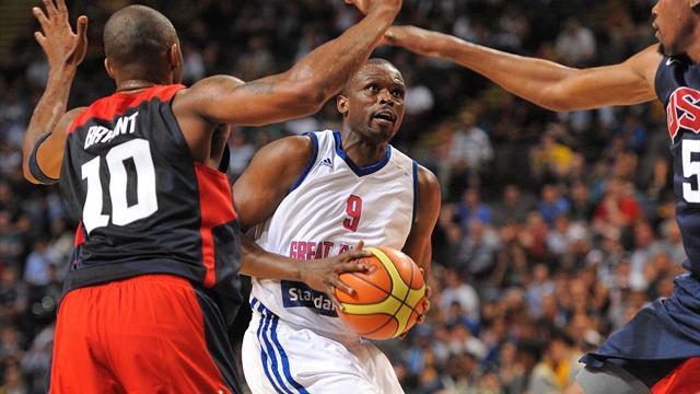 US thrash Britain in basketball warm-up