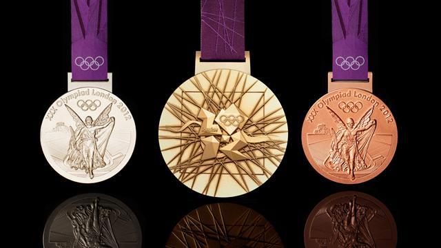 Только один из 19 атлетов из России вернул олимпийскую медаль