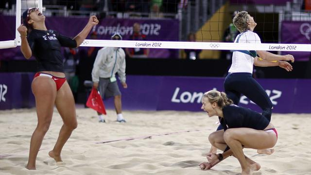US Olympic beach volleyball champs fend off Aussies