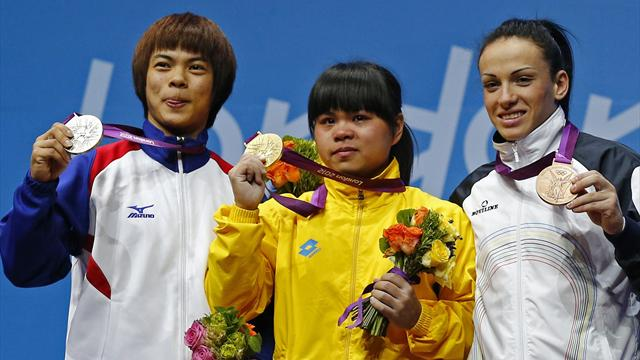 Chinshanlo wins Olympic gold, breaks clean and jerk record