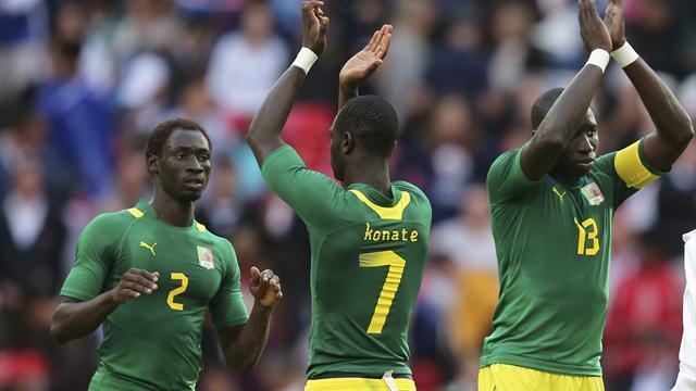 10-man Senegal stun Uruguay