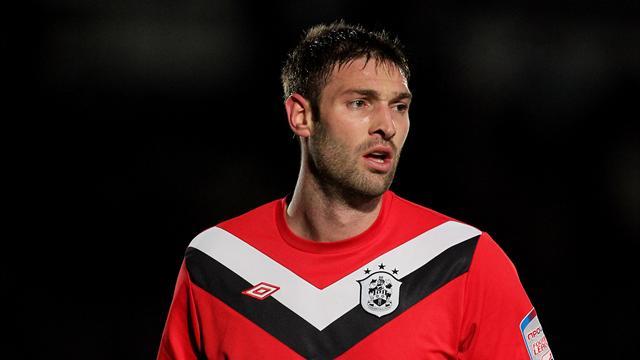 McCombe leaves Huddersfield