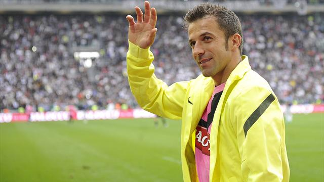 Del Piero chooses Sydney over Liverpool