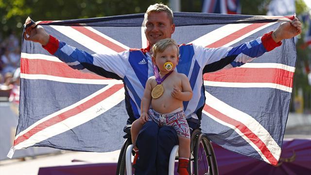 Weir wins Paralympic marathon gold