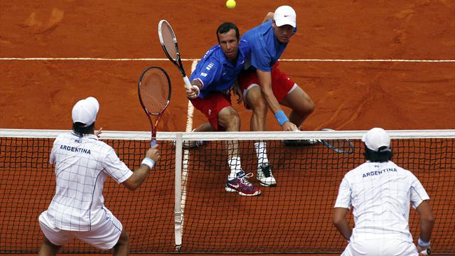 Czechs win doubles, Del Potro out of Sunday singles