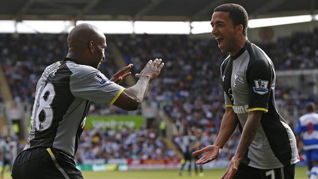 Defoe double as Tottenham win at Reading