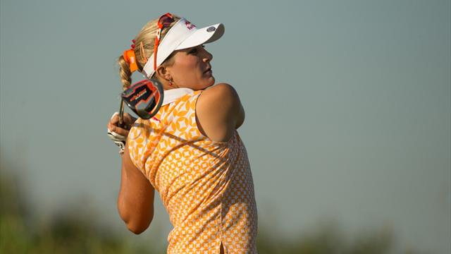 Lewis charges into Navistar lead as Thompson struggles