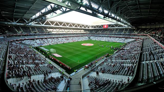 Stades modernes, hiver, manque de moyens et culture déficiente : le fléau des pelouses françaises