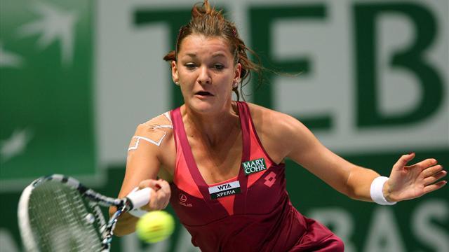 Holder Kvitova shocked, Sharapova and Serena win in Istanbul
