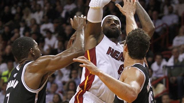 Heat scorch Nets in 30-point win