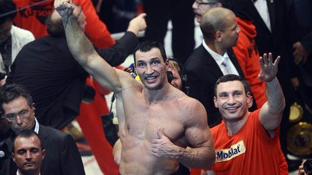 Wladimir Klitschko outclasses Wach in Hamburg