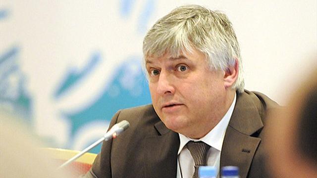 Le secrétaire général/CEO de la FISU examine le programme de marketing de Kazan 2013