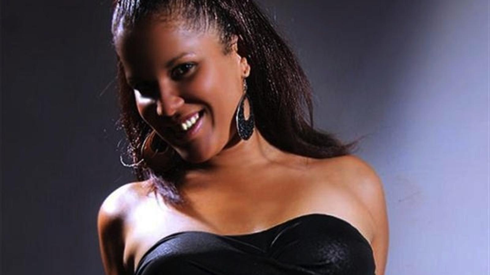 Actriz Porno Del Betis una actriz porno sorteará una noche de sexo si el barça gana