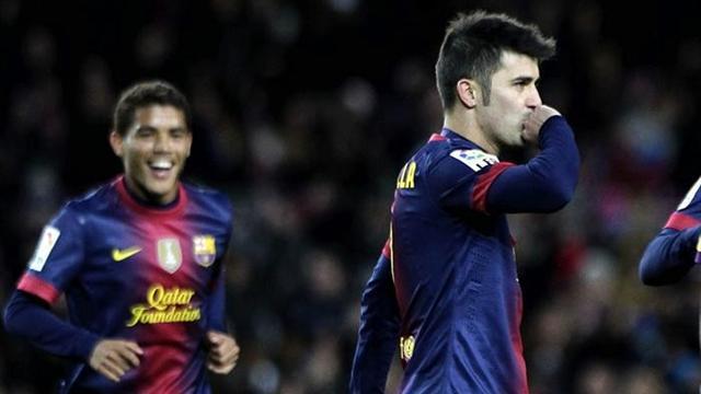 Villa passes 300 goals as Barca progress in Copa