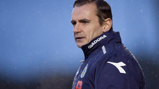 McGinn pens new St Mirren deal