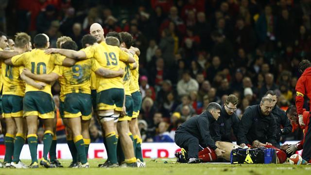 Australia snatch last-gasp win over Wales