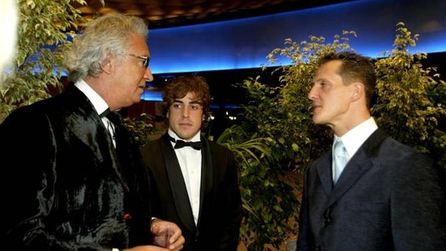 ¿Schumacher o Alonso? Briatore se moja... A medias
