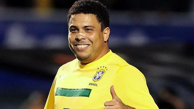 Роналдо может возобновить карьеру футболиста