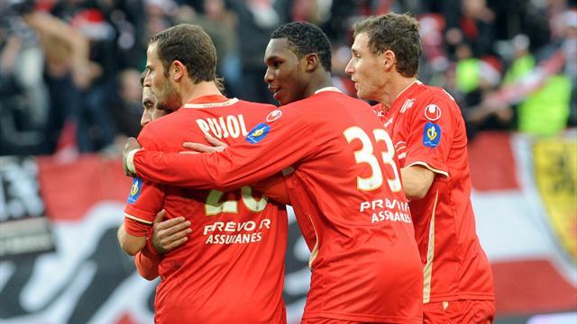 Valenciennes garde le contact